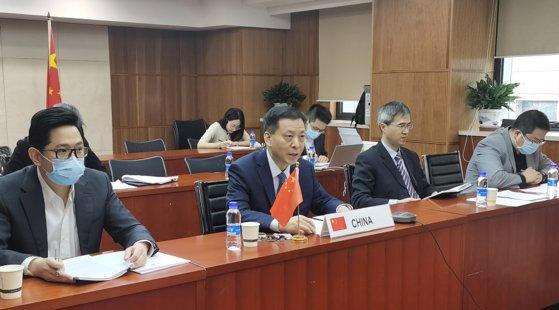 3月26日に画像で行われた韓中FTAサービス・投資会議の中国側交渉団。 [写真=中国商務省]