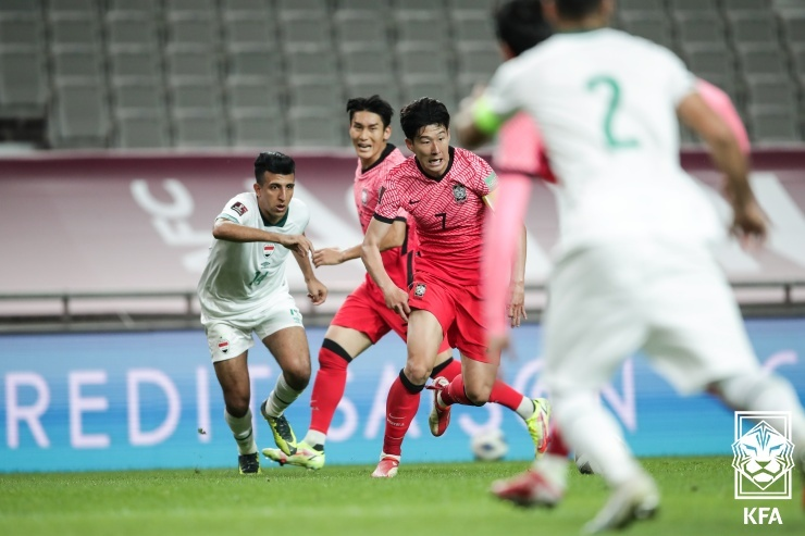 2日、ソウルワールドカップ競技場で行われた2022FIFAカタールW杯アジア最終予選初戦のイラク戦で、孫興民(ソン・フンミン)が突破している。 写真提供=大韓サッカー協会