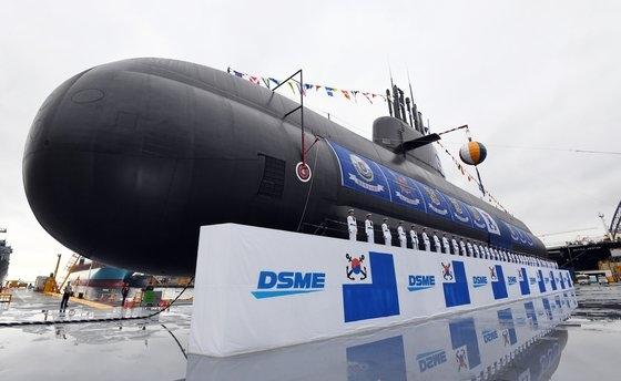 大宇造船海洋が設計して建造した潜水艦「島山・安昌浩(アン・チャンホ)」 [青瓦台写真記者団]